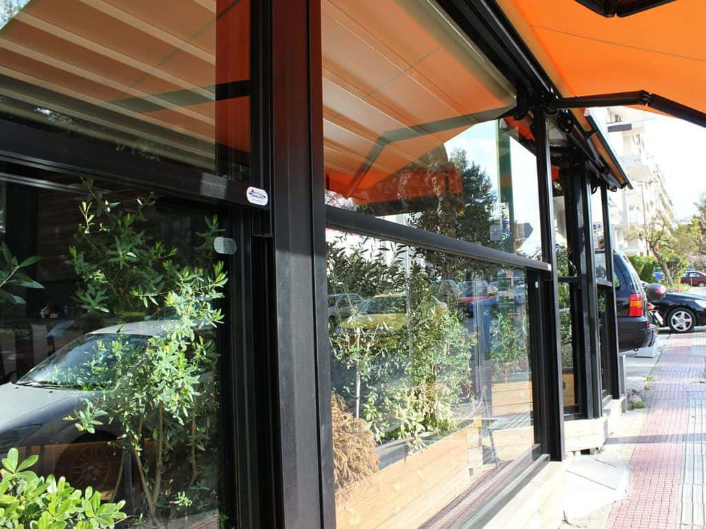 Pergola Fall Open and Closed Partitions for Pergolas - Windshield-partition systems Sunblock